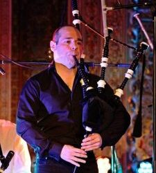 Bagpipe Lessons for beginners. Now!